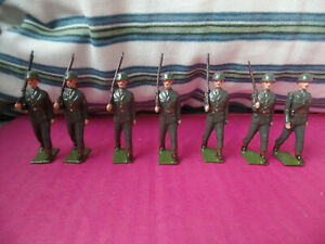 Britains 7 soldiers us army with officer vintage
