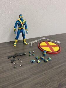 Mezco One 12 Deadpool X-Men SDCC Exclusive Figure Loose