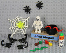 LEGO - 19 pcs Halloween Lot - Skeleton Spider Snake Skull Cauldron Frog Scorpion