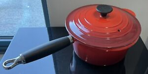 Genuine Le Creuset 20cm Red Pan Cast Iron Saucepan With Phenolic Handle & Lid.