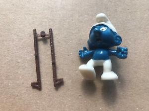 """Ü Ei """"Olympiade der Schlümpfe""""1983 Stelzenschlumpf mit Stelzen am Steg"""