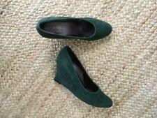 New in Box, Vaneli Ubalda Forest Green Suede High Heel Wedges Size 8