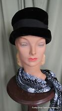 "Chic Vintage 40's 50's Black Velour Crusher Hat w Grosgrain Ribbon  21"" Inside"