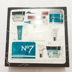 No7 Skincare Stars: The Star Of The Show Protect & Perfect Collection