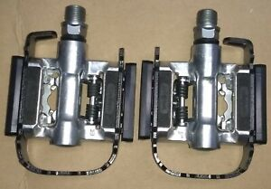 Wellgo C002 Bike Pedals 1 side Clipless /1 side Platform fits Shimano SPD cleats