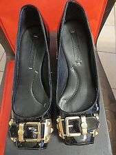 BCBG WOMENS FELICITY BLACK PATENT LEATHER WEDGE HEELS SHOES SIZE US 8.5 B