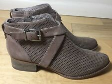 VINCE CAMUTO 'Casha' Perforated Bootie- Size 5.5- Tan
