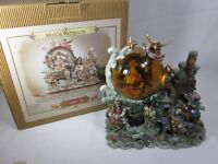 Grandeur Noel Water Snow Globe Christmas Nativity Animated Musical 2000