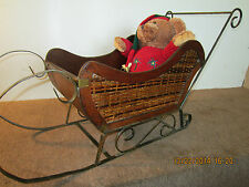 WINTER DISPLAY METAL & WOOD CHILD'S SNOW SLED