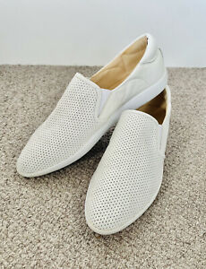 Nine West Casual Slip On Sneaker Flat Walking Shoes Size 9.5 White Leather