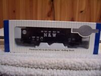 Bachmann N&W 3 Bay Hopper car w/coal load-Kadee couplers-Ex. Cond.