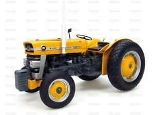 Tractor 1/16 Scale UNIVERSAL HOBBIES Massey Ferguson 135