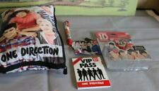 ONE DIRECTION SINGING KEY RING AND PADDED BAG WITH PEN ETC EX CON
