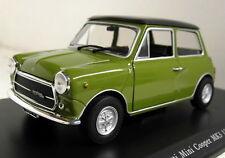 Atlas 1/24 Scale Innocenti Mini Cooper mk3 1972 + Display Case Diecast model car