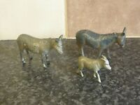VINTAGE BRITAINS TOY DIE-CAST 2x DONKEYS & 1x FOAL