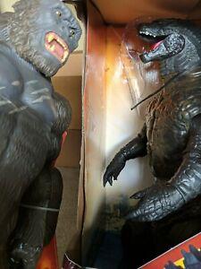 "18"" KING KONG vs  24"" tall 3' long GODZILLA Monster Playset w/ Chopper Force!"