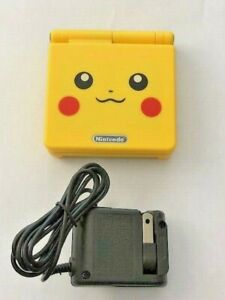 Pikachu Edition Pokemon Nintendo Gameboy Advance sp GBA ags 101 & charger