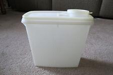 VINTAGE TUPPERWARE STORE & POUR Cereal Container 469-15 Pour Spout Lid 471-9