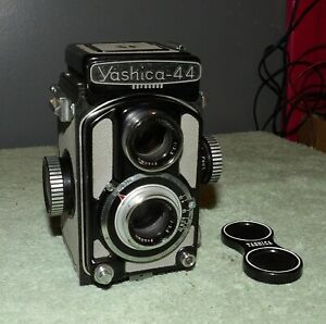 Yashica-44 Twin Lens Reflex Camera w/Yashikor 3.5 60mm Lens & Cap