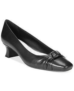 Easy Street Women Kitten Heel Pump Heels Waive