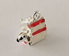 LOVELY CUTE LITTLE DOG IN A RED & WHITE HANDBAG CLIP ON CHARM- 3D - SILVER PLATE