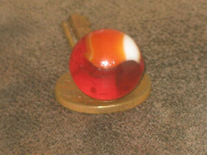 UNUSUAL CARDINAL RED GLASS PATCH VINTAGE AKRO AGATE GLASS MARBLE