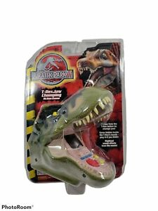 TIGER ELECTRONICS JURASSIC PARK III JAW CHOMPING T-REX HAND HELD ACTION GAME