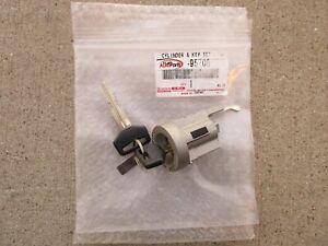 S30020T30105 2 Door Locks /& Gas Lock w// 2 New Keys Toyota Pickup Truck 1989-1991 Ignition