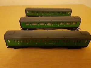 HORNBY 00 gauge BR SOUTHERN REGION 3 COACHES