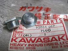 KAWASAKI NOS CRANKCASE PLUGS Z400 KZ400   92066-067
