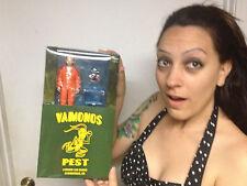 AMC EXCLUSIVE Breaking Bad Jesse Pinkman Orange Hazmat Vamanos Pest Suit Mezco+