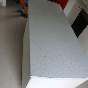 Off white KITCHEN with APPLIANCES MUST GO in new condition. Size is 3550 x 2200