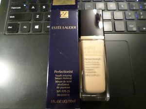 ESTEE LAUDER PERFECTIONIST YOUTH-INFUSING SERUM MAKEUP 3W1 TAWNY SPF 25 1OZ 30ML