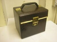 """RETRO 7"""" VINYL OLD SINGLES RECORD  STORAGE BOX CARRY CASE WITH A FEW RECORDS"""