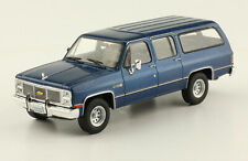 Chevrolet Suburban (1988) Diecast 1:43 Mexican Cars  New and sealed w/Magazine