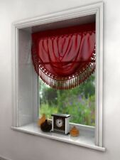 Rideaux et cantonnières rouge en voile pour la chambre