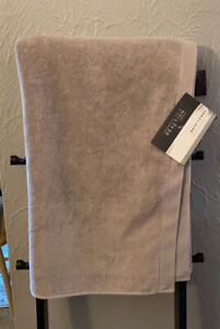 Kenneth Cole Reaction Cooper Bath Towel Gray