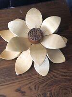 Vintage/Retro Wooden Hand Carved Sunflower Wood Art Centerpiece 3D