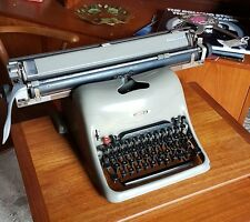 Olivetti lexikon 80 rare wide type writer great shop display vintage retro