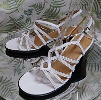 CLARKS WHITE LEATHER STRAPPY SLINGBACK SANDALS DRESS SHOES HEELS WOMENS SZ 8 M