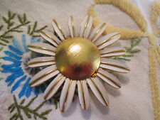 Vintage Avon  Fragrance Compact Brooch Lg, White Daisy Gold-tone Center Jewelry