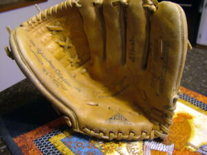 Vintage Baseball Glove Trio Hollander Joe DiMaggio Model Yankee Clipper Line