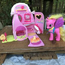 """My Little Pony Ponyville """"Fancy Fashions"""" Boutique With Extra Pink Pony Lot"""