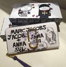 Marc + Anna Sui with Lady Print Accordion Zip Wallet - White