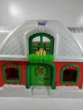 Fisher Price Little People Santa's North Pole Christmas Cottage 8 Figures Extras