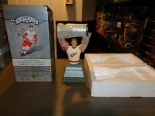 Brett Hull Detroit Red Wings UD Upper Deck Classic Portraits Statue Bust NHL