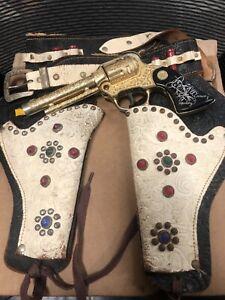 Wyandotte Hopalong Cassidy cap gun gold