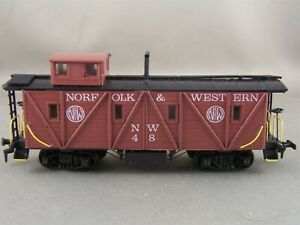 Roundhouse - Norfolk & Western - Old Timer Caboose + Wgt # 48