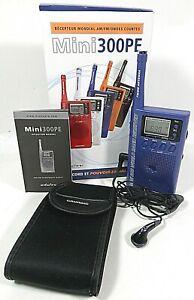 Grundig Mini 300 World Band Receiver Handheld Compact Blue SW/FM Portable Radio