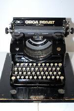 Orga Privat, Schreibmaschine mit Frakturschrift, revidiert, top Zustand.
